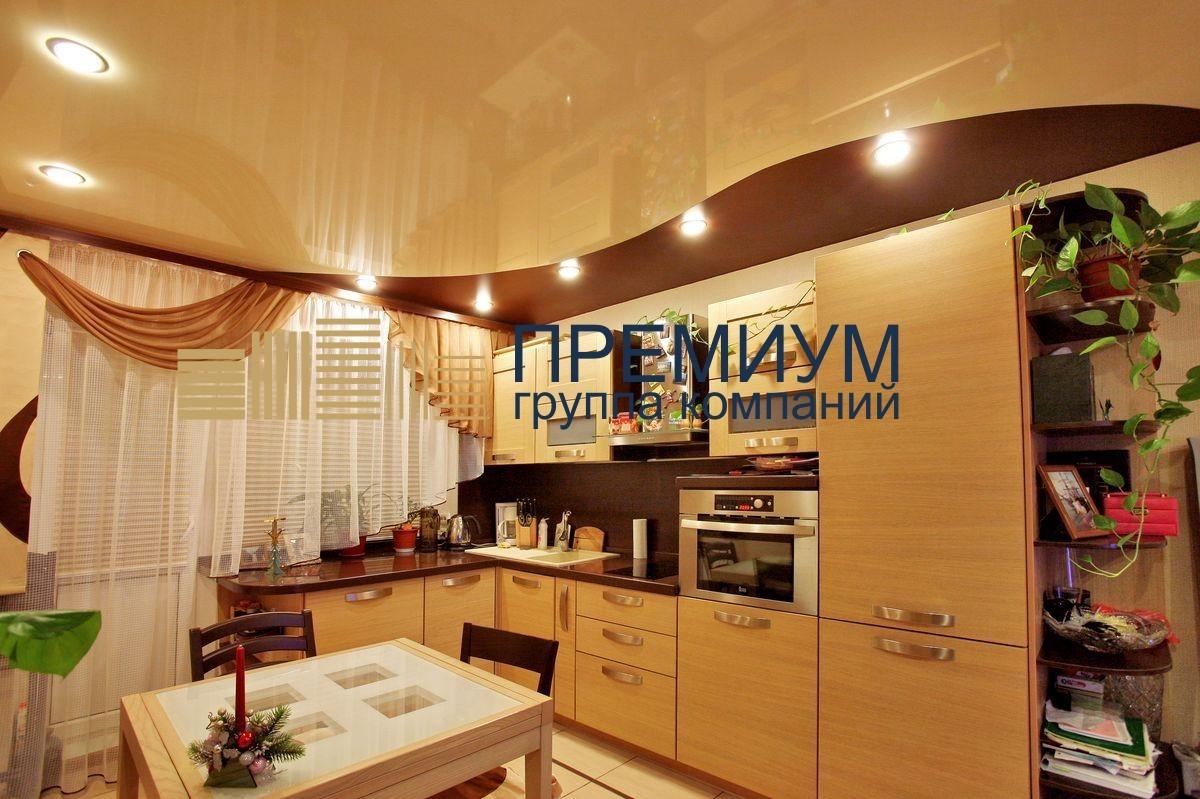 Натяжной потолок со спайкой полотен S= 10м2