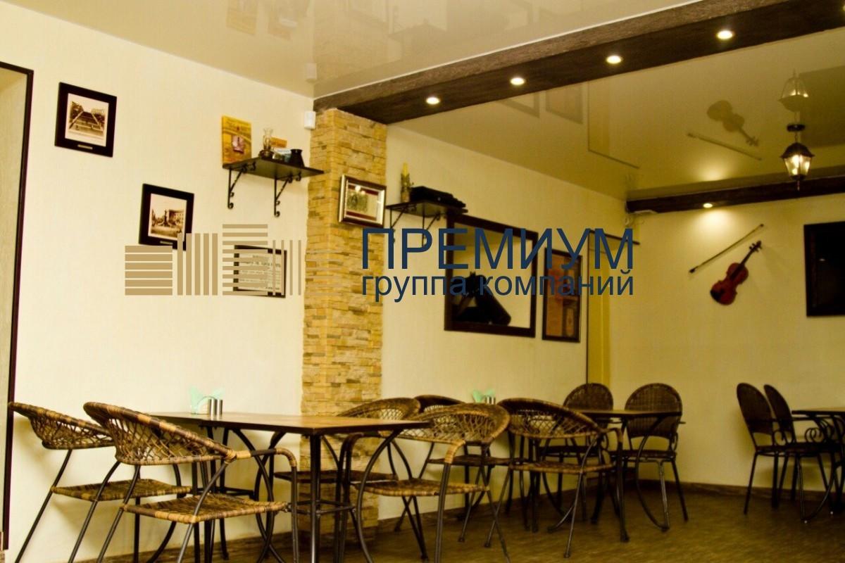 Натяжной потолок в кафе S= 30м2